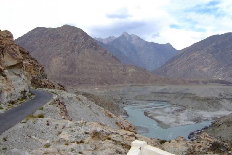 Karakoram Highway.jpg