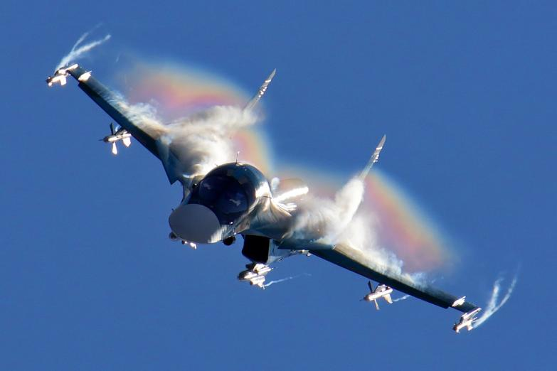 Sukhoi_Su-34_flight_display_at_2015_MAKS.jpg