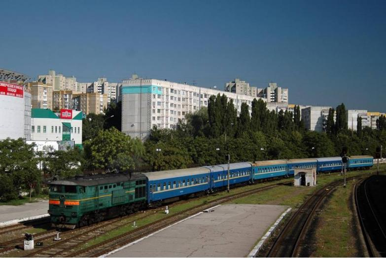 treno prietenia chisinau bucarest moldova moldavia.jpg